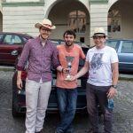 Thomas, Willy und Uwe mit Pokal