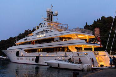 Lady Kathryn V Yacht in Portofino