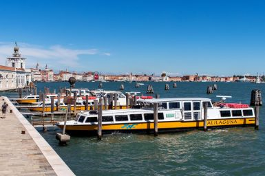 Alilaguna Fähren in Venedig