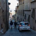 Autos in der ZTL von Montepulciano