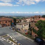 Blick auf die Toskana vom Conad in Montepulciano