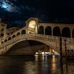 Rialtobrücke bei Nacht, Venedig