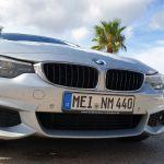 BMW 440i im Süden vor Palmen