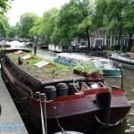 Amsterdam begrüntes Hausboot
