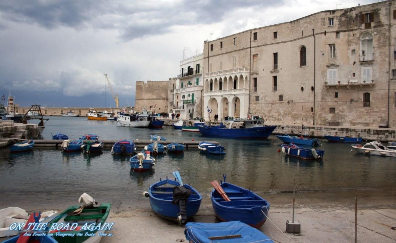 Fischerboote im Hafen von Monopoli
