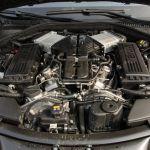 BMW 760i Motorraum ohne Abdeckung