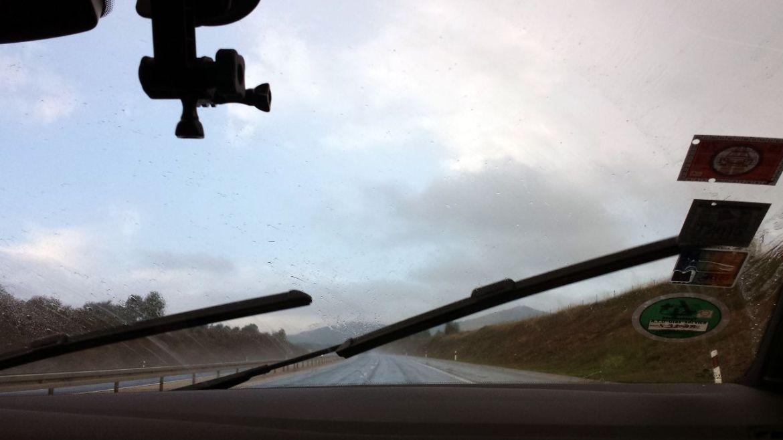 Regen auf kroatischer Autobahn
