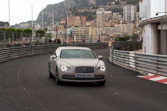 Bentley auf der Rennstrecke in Monaco