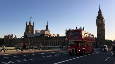 Big Ben und Doppeldeckerbus