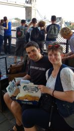 Maik und Maria mit Fish and Chips