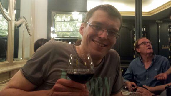 Rotwein im Le Petit Cler in Paris