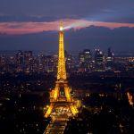 Eiffelturm und La Defense vom Tour Montparnasse aus Paris