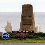 Omaha Beach Schild und Memorials