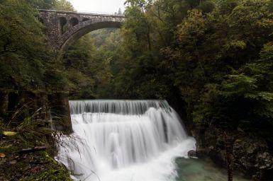 Großer Wasserfall Vintag Klam