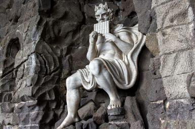 Statue im Bergpark Wilhelmshöhe, Kassel