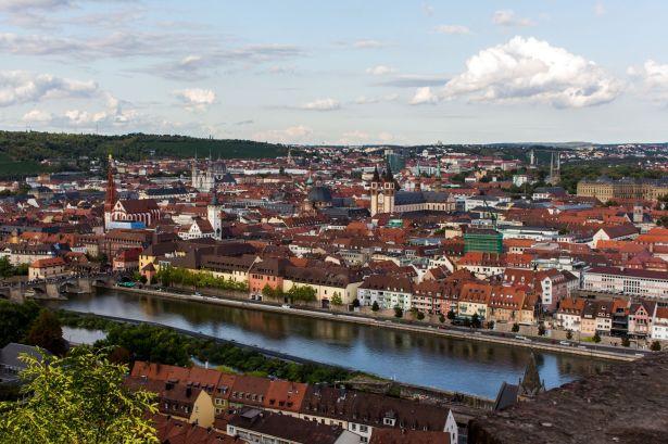 Würzburger Altstadt von der Festung aus