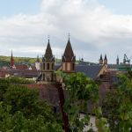 Würzburger Türme durch die Weinberge