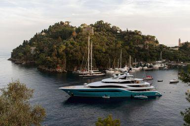 Go Yacht im Hafen von Portofino