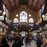 In der Markthalle von Budapest
