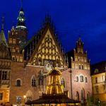 Rathaus von Breslau zur blauen Stunde