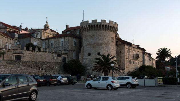 Turm in der Stadtmauer von Korcula