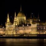 Ungarisches Parlament bei Nacht