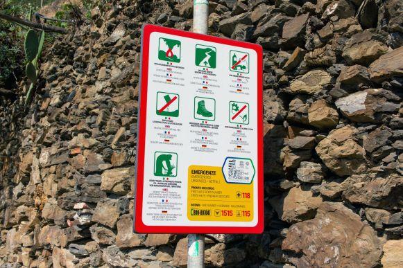 Warnschild Cinque Terre Wanderpfad