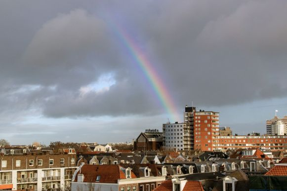 Regenbogen über Amsterdam