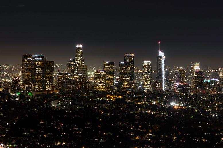 Skyline von Los Angeles bei Nacht