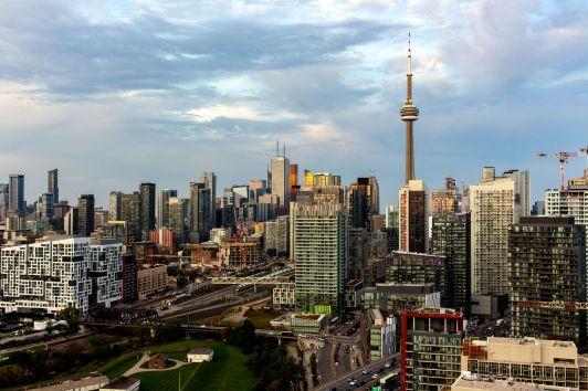 Skyline von Toronto am Abend