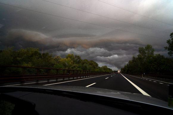 Sturm auf italienischer Autobahn in Venetien