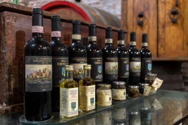 Verschiedene Weine in Montepulciano